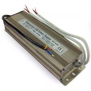 Transformateur 12 volts - 100 watts étanche IP67