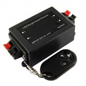 Variateur d'intensité lumineuse à télécommande - 96 watts
